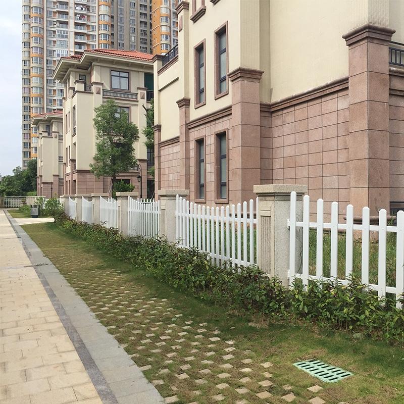 海景花园别墅PVC隔离护栏