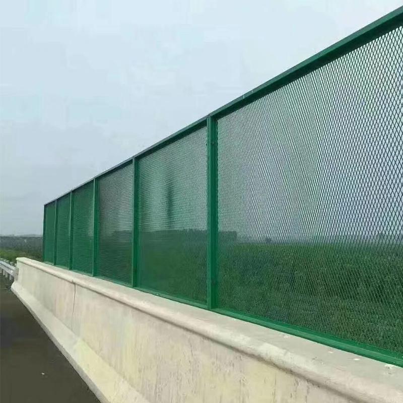 浸塑铁丝网护栏