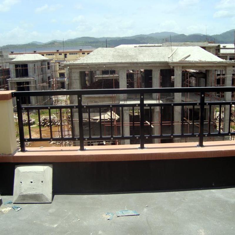 阳台护栏安装